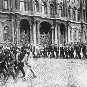Petrograd workers drill on Palace Square
