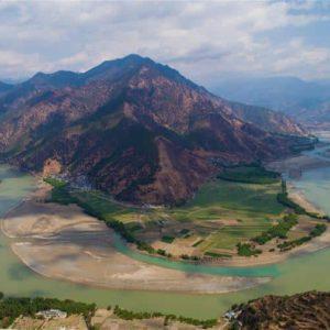 Bend of Jinsha River at Shigu village, Yulong Naxi autonomous county in Lijiang, Southwest China's Yunnan province
